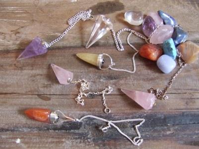 crystal-pendulum