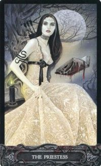 tarot-of-vampyres-high-preistess