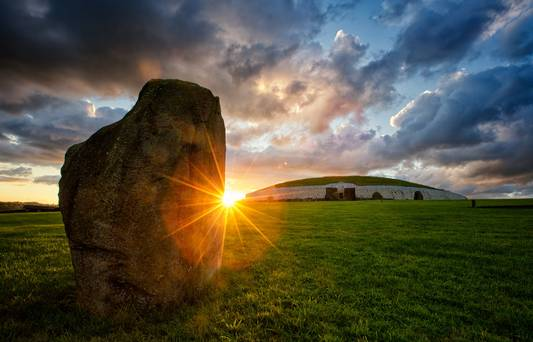 Newgrange-Co-Meath-Photo-Tourism-Ireland